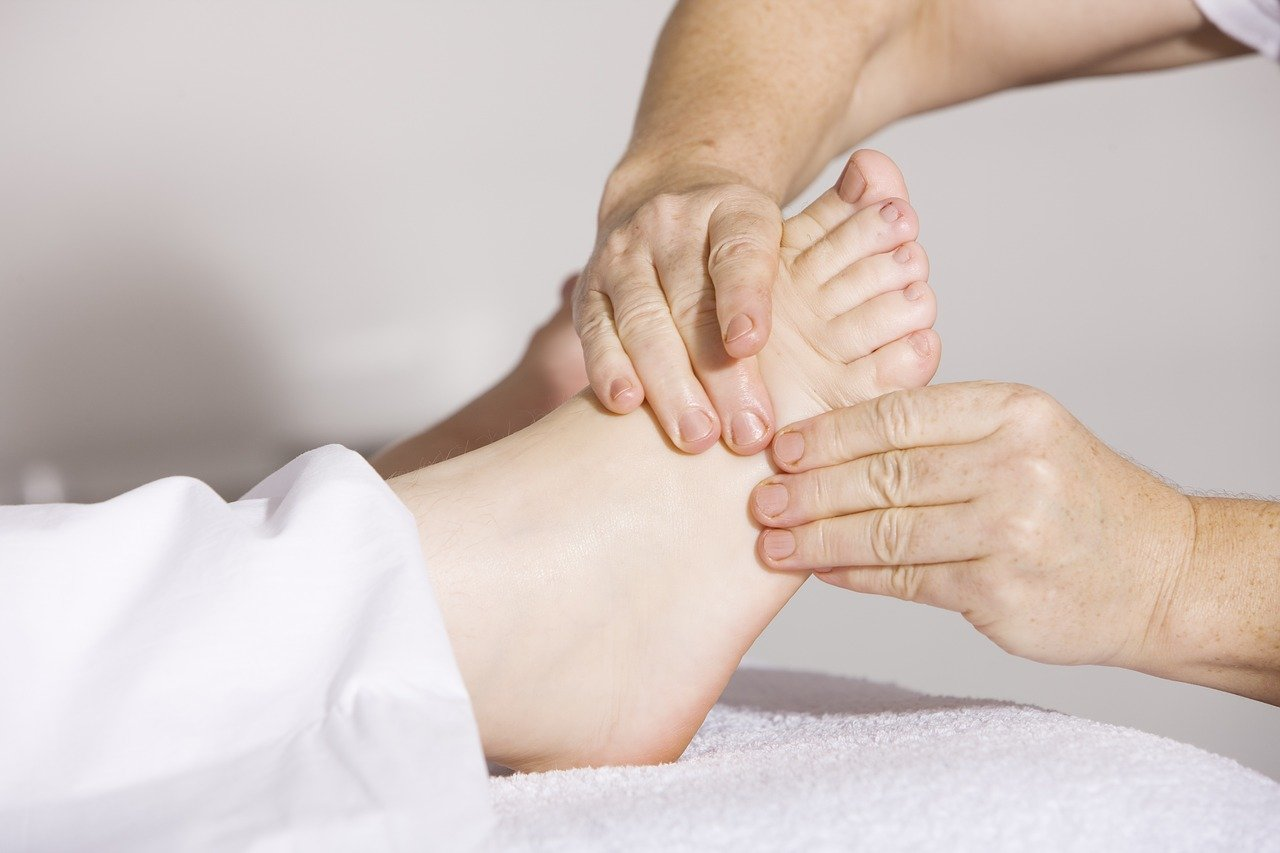 foot massage reflexology